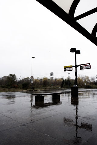 Thumbnail: Hurdman station on a rainy day