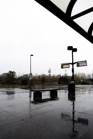 Thumbnail: Hurdman station on a rainy day