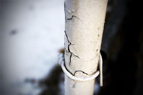 Cracking pole