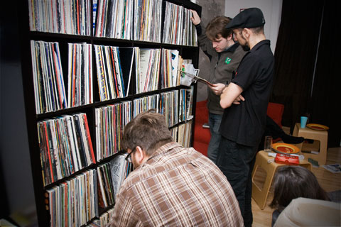 Picking vinyl