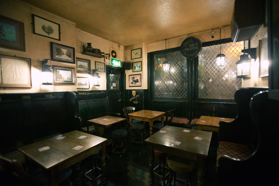 inside the Mayflower Pub