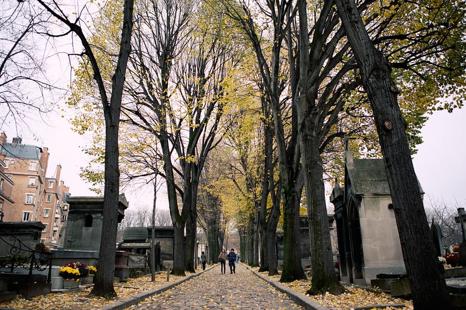 Pere Lachaise Cemetery road