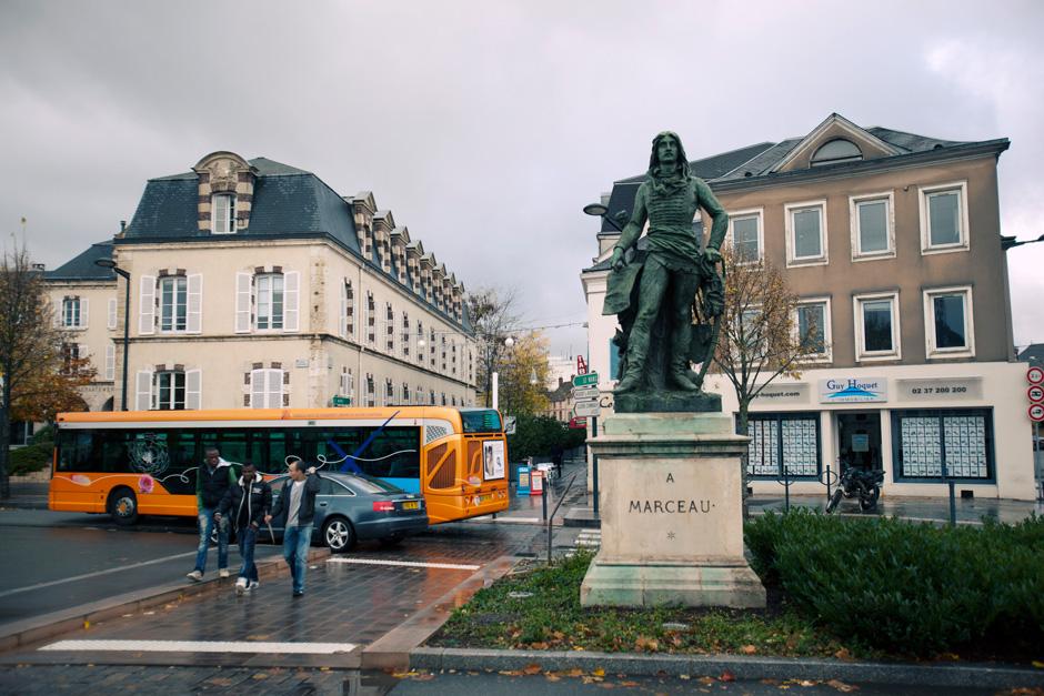 Marceau statue