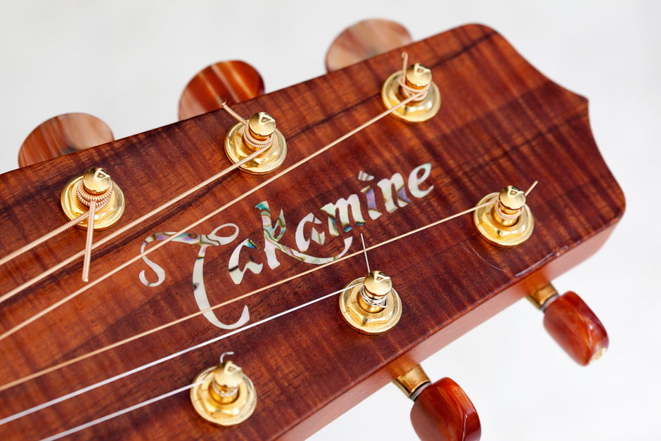 Takamine F370SS: headstock front