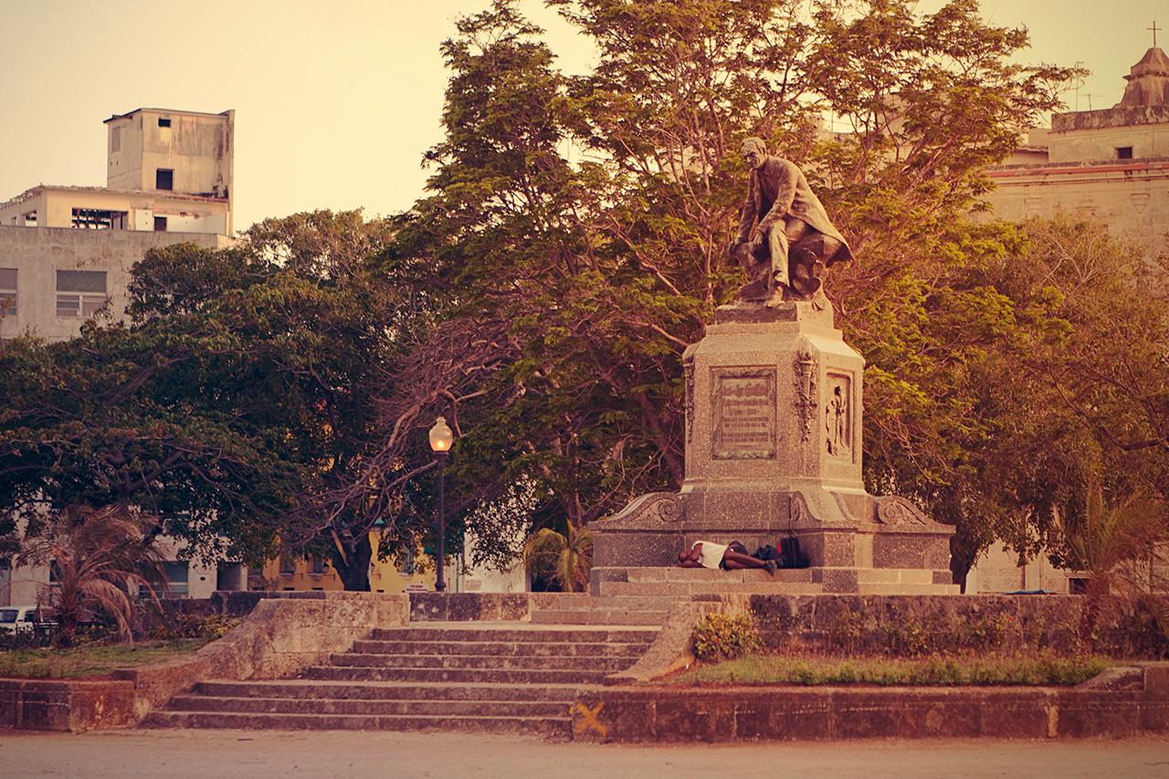 Jose de la Luz y Caballero statue